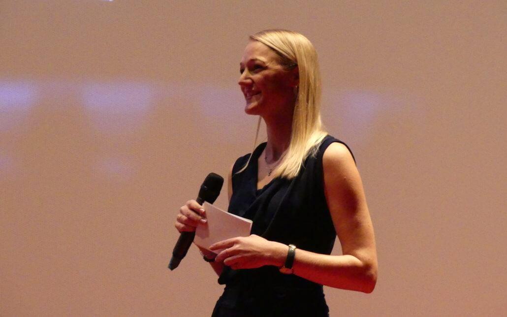 Moderatorin Eva Nusshart live