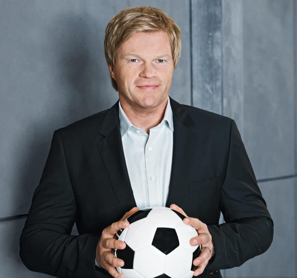 Oliver Kahn ist Welttorhüter, unternehmer und ZDF Fußball-Experte