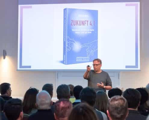 Foto von Jörg Heynkes der Redneragentur PODIUM | Vorstellung als Redner