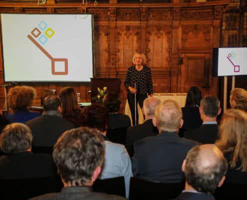 Profilfoto von Dörte Maack der Redneragentur PODIUM | Vorstellung als Rednerin