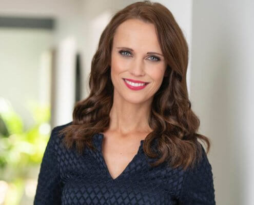 Profilfoto von Susanne Schöne der Redneragentur PODIUM | Vorstellung als Moderatorin