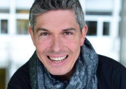 Profilfoto von Tim Cortinovis der Redneragentur PODIUM | Vorstellung als Redner